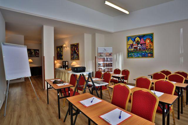 pořádání konference v Praze